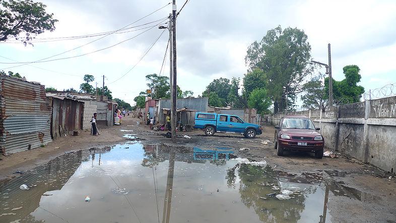 Identificación De Un Proyecto Sobre Derecho Al Hábitat En Los Barrios  Informales De Maputo