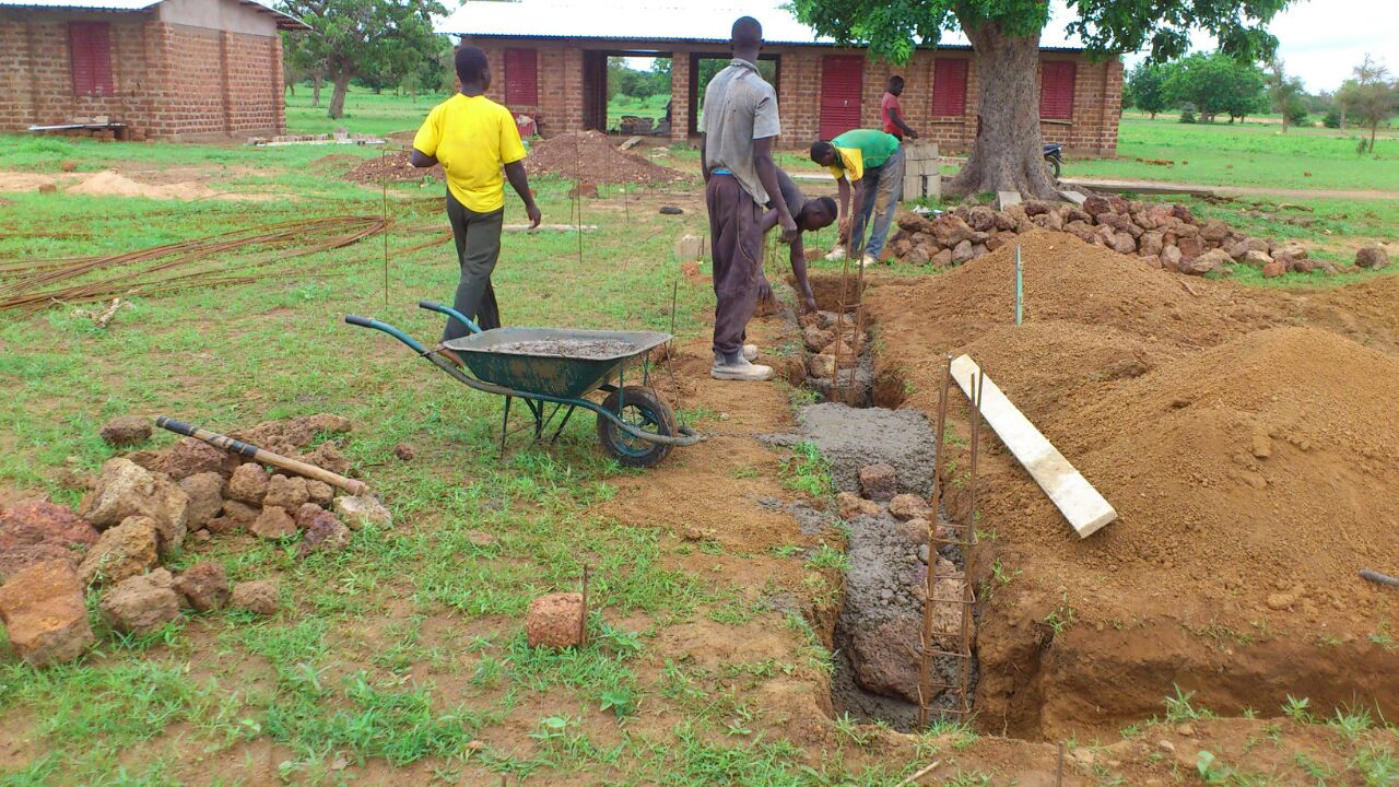 Millora De La Xarxa Educativa En La Zona Rural De Bissiga