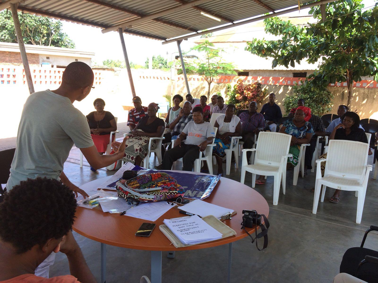 Reunió Liders Comunitaris Tramitació Duat Secretari Del Barri