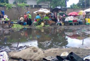 Barris informals de Maputo carrer