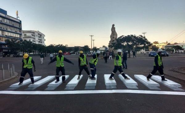 Pintem Un Pas De Zebra 3D A Maputo